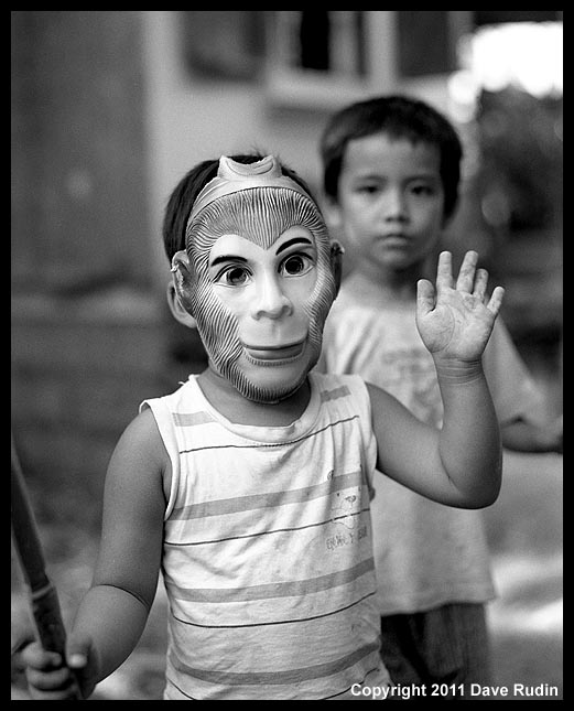 3139_03 - Bamboo Village_Kid with Mask