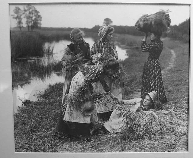 "Charles Smerdon Roe's ""Harvesters"" at Vintage Works"