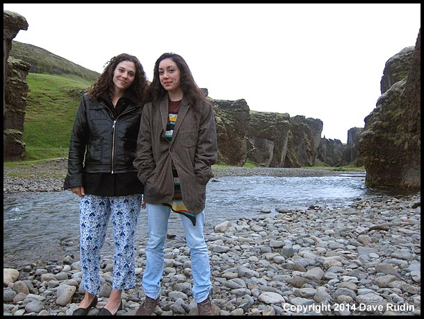 Nadine and Rebecca at Fjaðrárgljúfur canyon