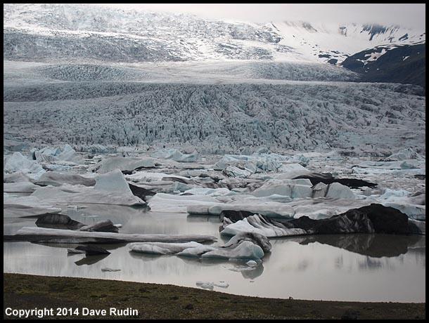 Fjallsjökull glacier and the Fjallsárlón glacier lagoon