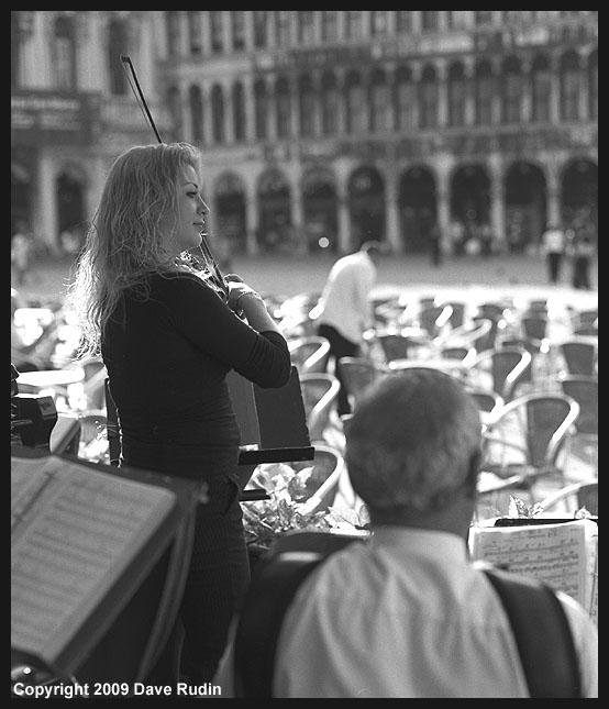 La Bella Violinista, Venice, 2009