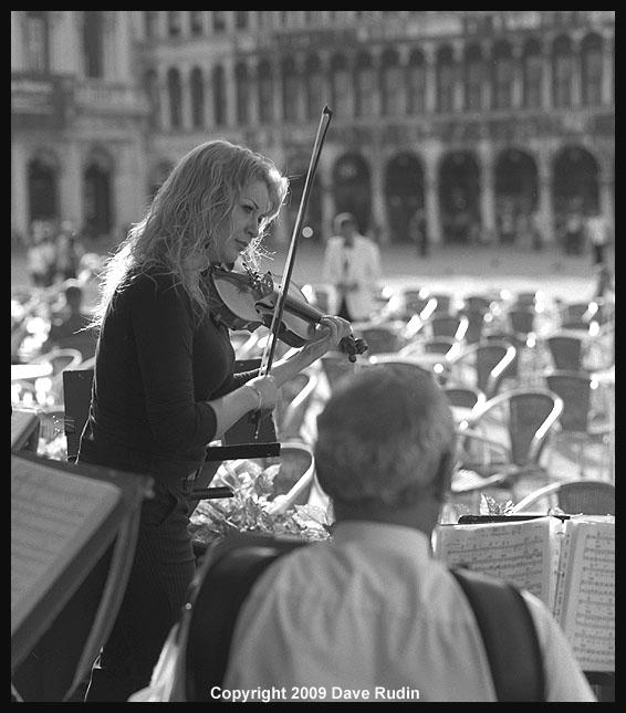 2867_08 - Venice-La Bella Violinista