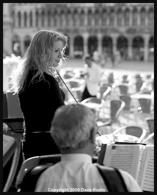 2868_04 - Venice-La Bella Violinista