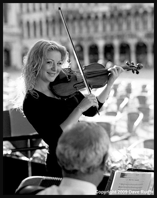 2868_06 - Venice-La Bella Violinista
